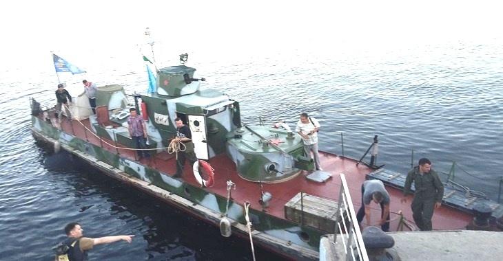 Из Керчи в Волгоград прибыл исторический бронекатер времен Великой Отечественной