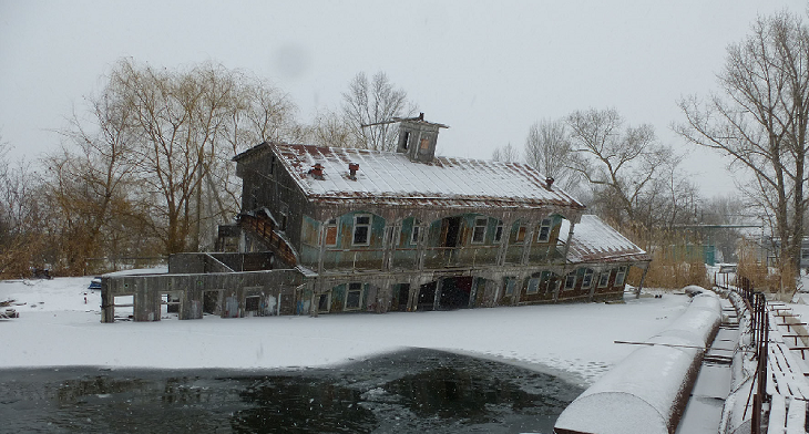 Никому не нужен: в Волгограде сорвалась новая попытка приватизировать старый дебаркадер